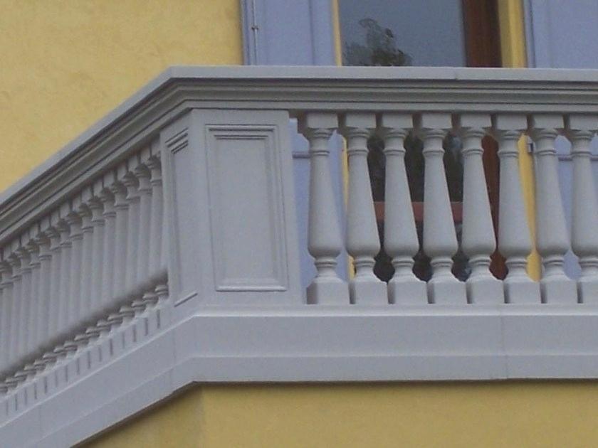 Concrete balcony railing