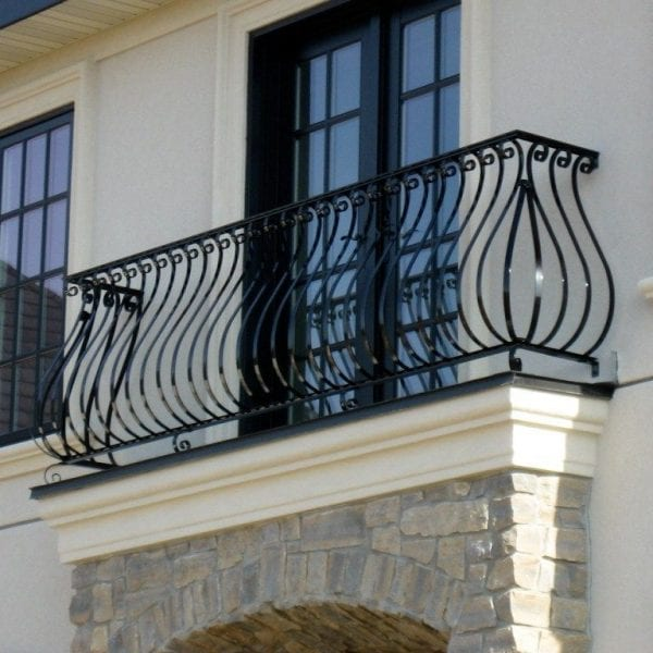 Metal decorative balcony railing