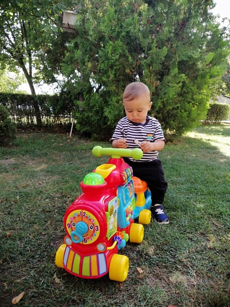 toddler-vtech-train-walker